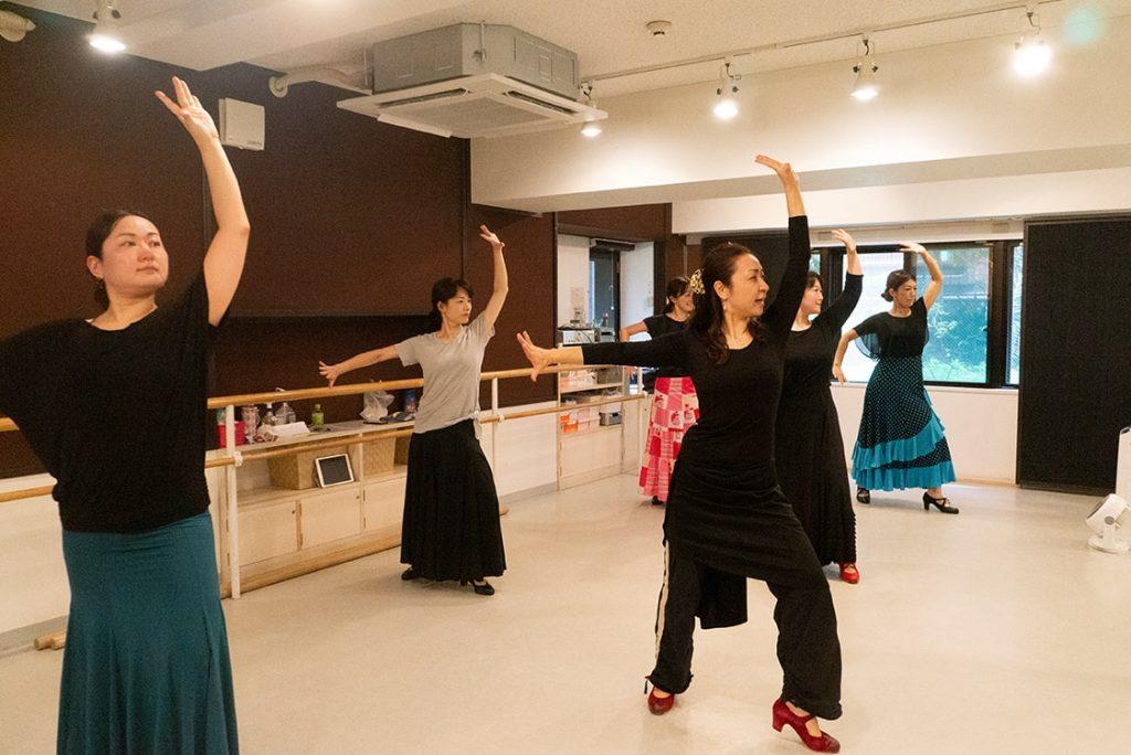 【動画あり】フラメンコ初心者さんのレッスン曲をご紹介!楽しみ方や踊りのコツを解説