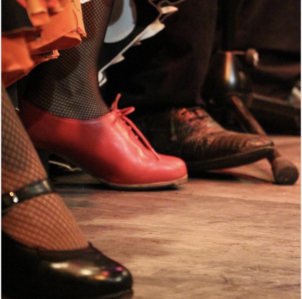 フラメンコ初心者に必要なのは靴とスカート